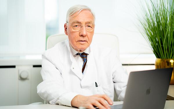 Prof. Dr. med. Wilhelm Sandmann - Chefarzt für Gefäßchirurgie